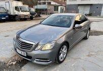 Cần bán lại xe Mercedes E250 sản xuất năm 2010, màu xám giá 620 triệu tại Tp.HCM