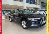 Bán xe Volkswagen Passat Comfort- giá giảm sốc, ưu đãi tiền mặt 165tr, hỗ trợ vay 80%, thủ tục đơn giản. LH: Mr. Thuận giá 1 tỷ 380 tr tại Tp.HCM