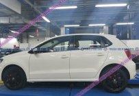 ⭐ Hồ Chí Minh ⭐ Bán xe Đức nhập Polo Hatchback màu trắng mới 98%, còn bảo hành hãng giá 529 triệu tại Tp.HCM