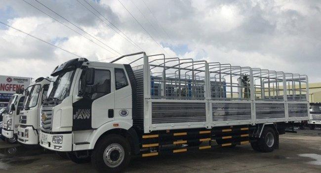 Xe tải FAW 7200Kg thùng kín dài 9m7 giá nhà máy giao xe ngay